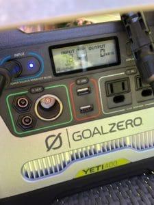 Goal Zero Yeti 400 getting juice from the Renogy solar panel
